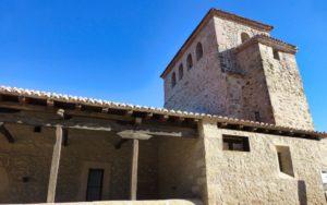 Torre campanario y pórtico sur