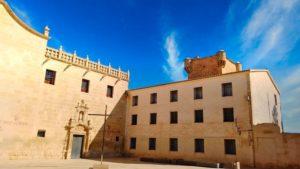 Torre defensiva medieval junto al Monasterio de la Santa Faz