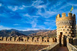 Torre y adarve del Castillo de Manzanares