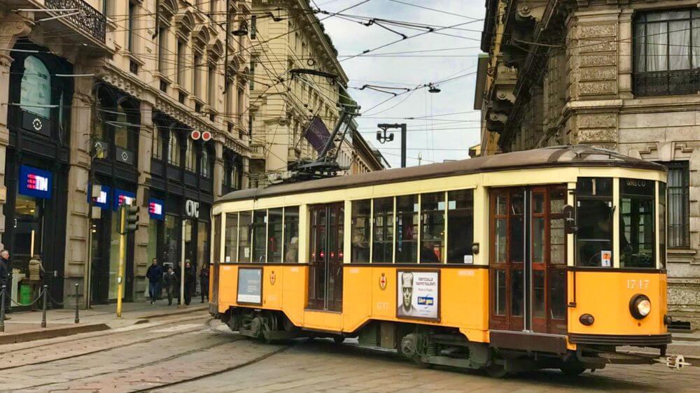 Tranvía, uno de los medios d transporte más utilizados para moverse por Milán