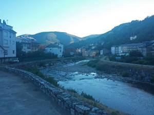 Río Burbia a su paso por Villafranca del Bierzo