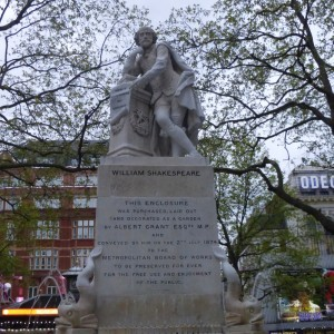 Estatua de William Shakespeare en Leicester Square