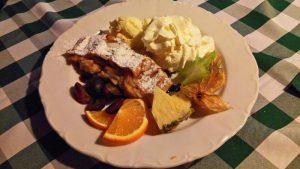 Tarta de manzana (szarlotka), uno de los dulces más típicos de la gastronomía de Varsovia