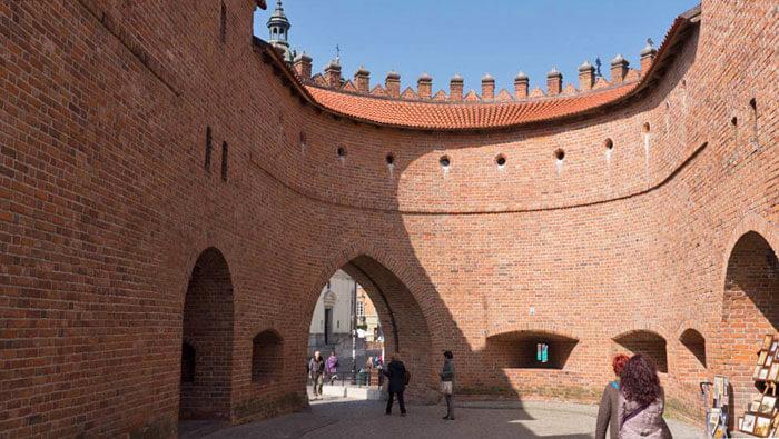 Interior de la Barbacana de Varsovia