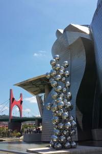 """""""El gran árbol y el fuego"""" en el Museo Guggenheim de Bilbao"""