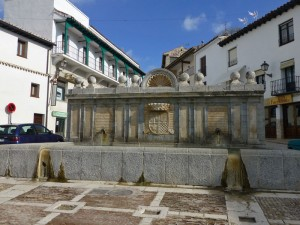Fuente de Arriba en la Plaza Mayor de Chinchón