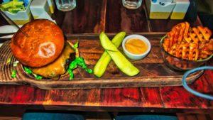 Hamburguesa en un restaurante de Nueva York