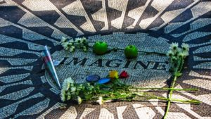 Mosaico Imagine en honor de John Lennon