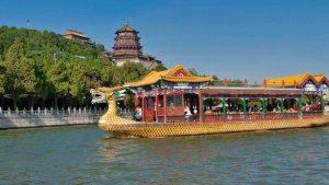 Pagoda del Incienso de Buda sobre el lago Kunming