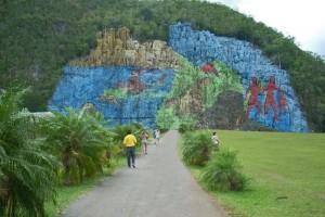 Mural de la Prehistoria en el Parque Nacional Valle de Viñales