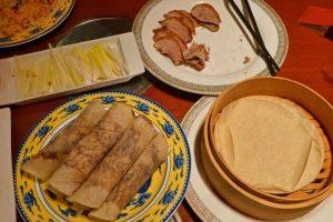 Pato laqueado a la pekinesa, uno de los platos típicos de la gastronomía de Pekín