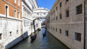 Puente de los Suspiros y prisiones Piombi