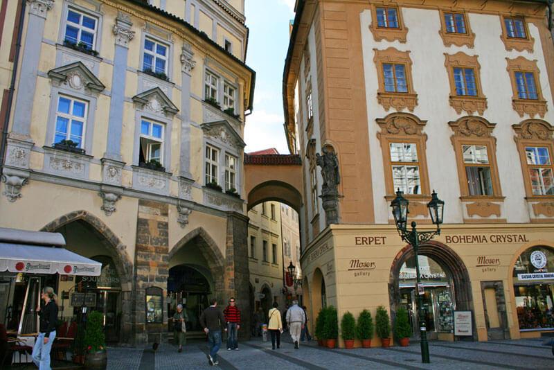 Comprar en Praga, recuerdos, productos típicos, souvenirs, tiendas y mercados